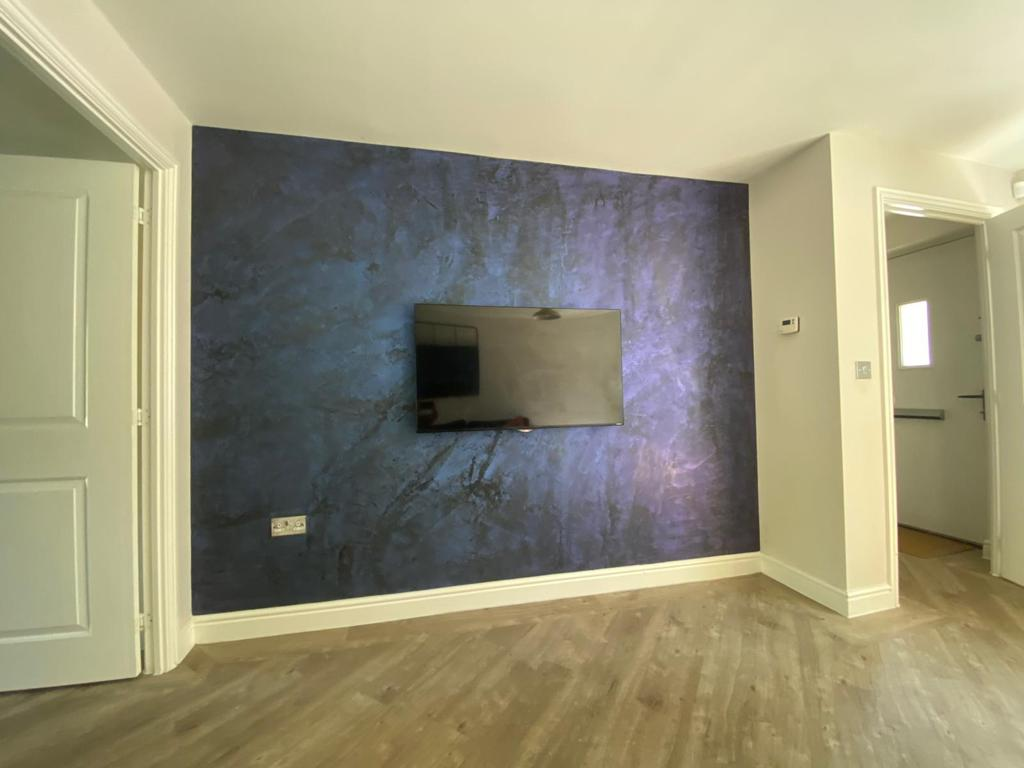Ultra Finishes - Luxury black and blue Venetian Plaster Surrey 4