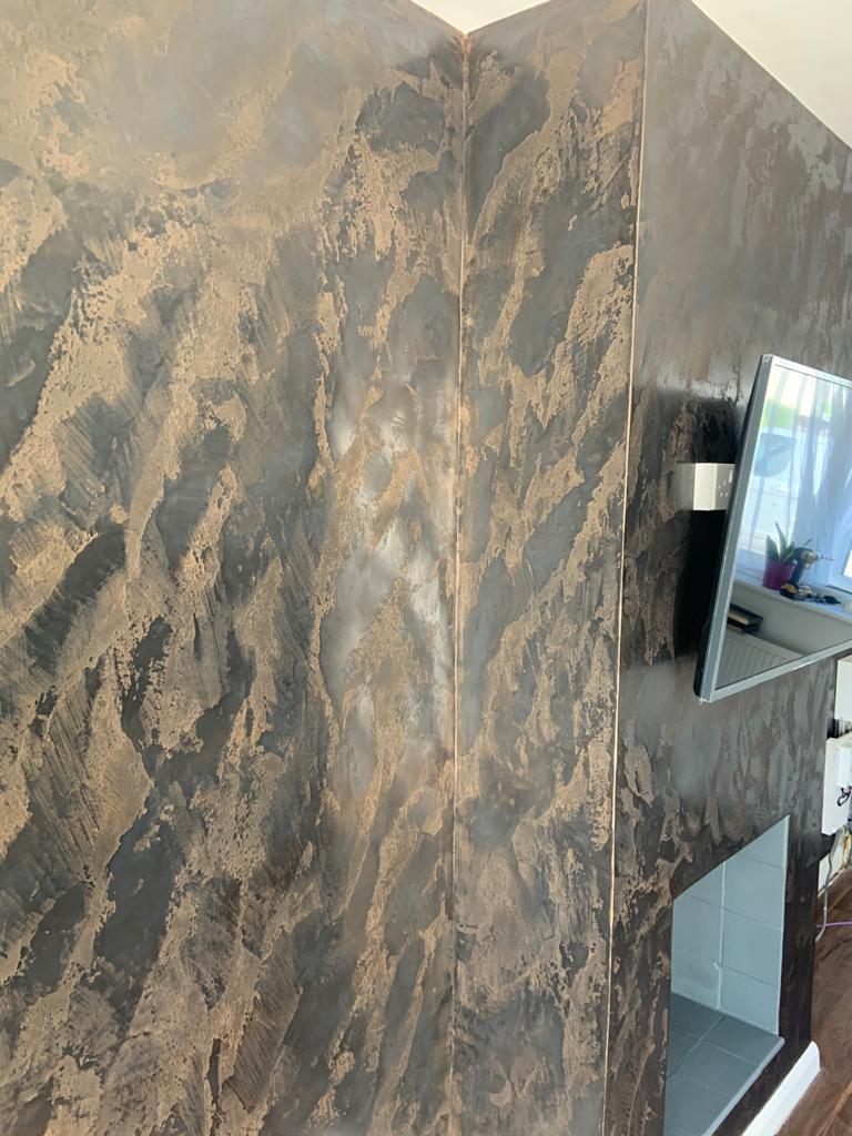 Venetian Plaster Surrey - Black and gold Venetian Plaster TV feature wall 3 - Ultra Finishes