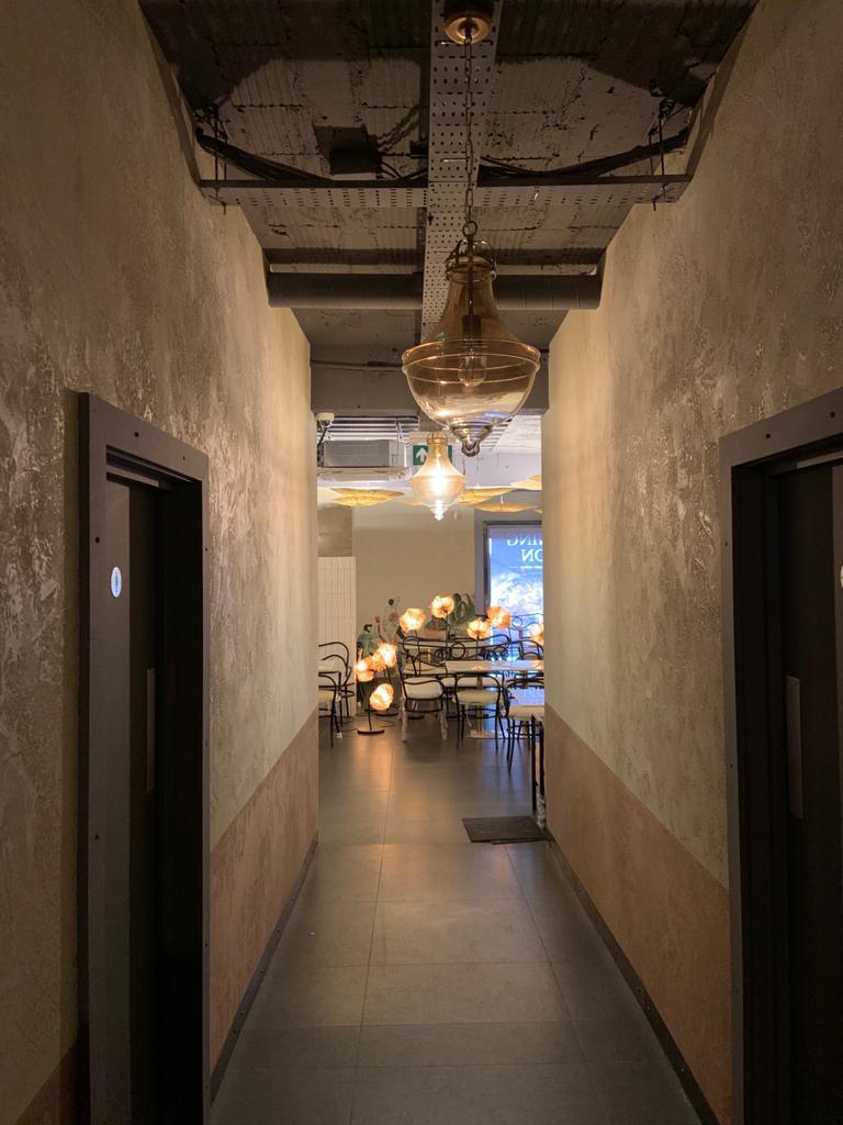 Ultra Finishes - Venetian Plaster Surrey - The Yellow Chilli Commercial Venetian Plaster 2