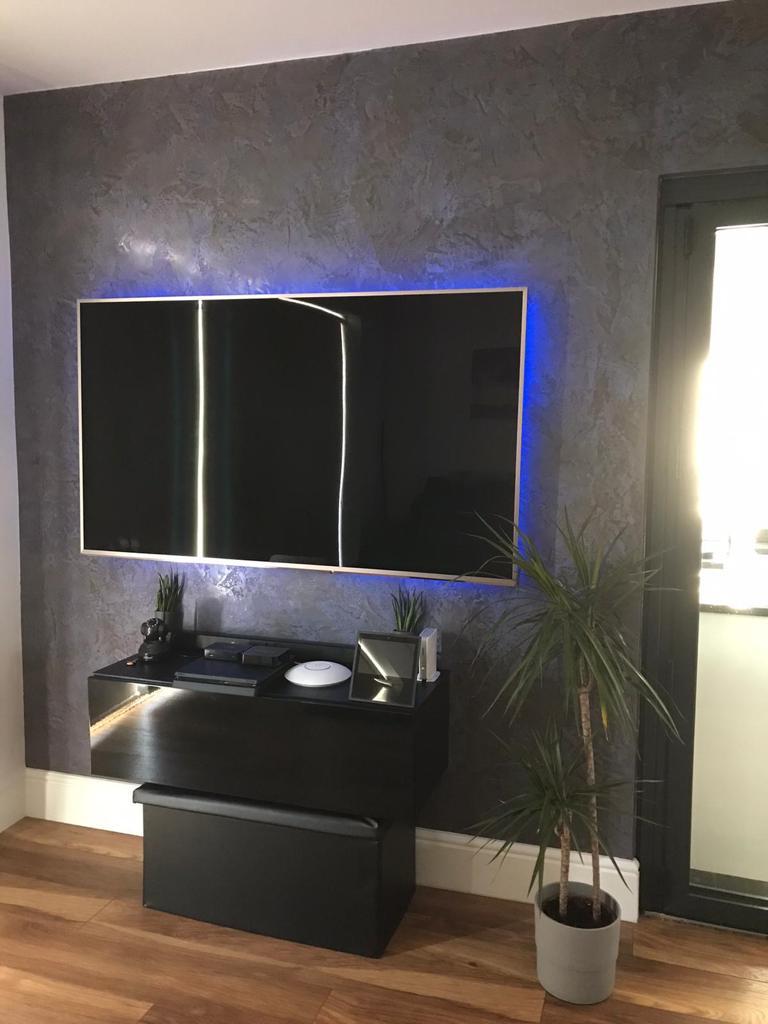 Venetian Plaster Surrey - Dark Venetian Plaster luxury TV Feature wall