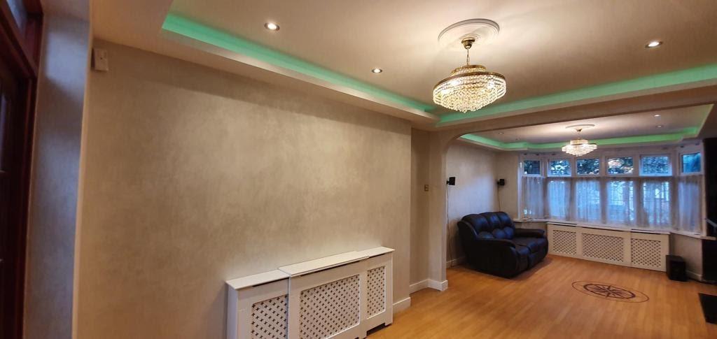 Venetian Plaster Surrey - Light polished plaster room - Ultra Finishes